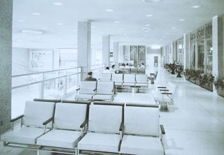 1961_terminal_seating