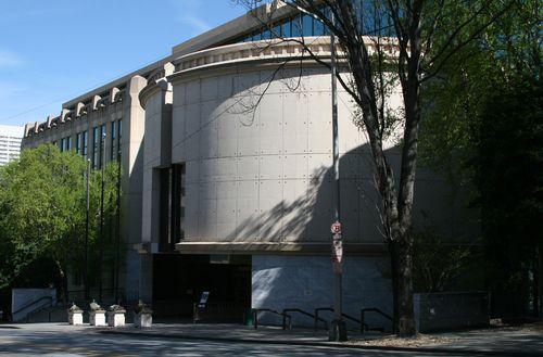Atlanta_city_hall_1989_annex