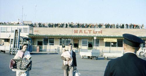 1280px-Malton_Airport_1960_-_Mark_Faviell